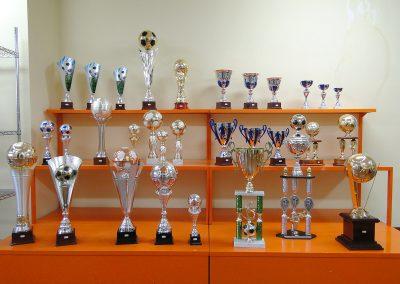 olimpia-store-by-olimpia-snc-dalmine-bergamo-coppe-trofei-calcio-esposizione